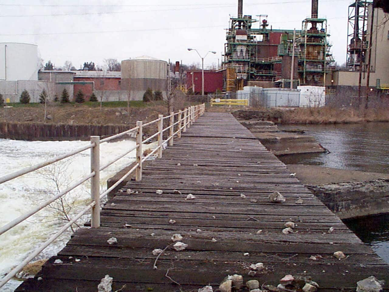 Modeling & Monitoring of PCBs in Sediments for the Kalamazoo River RI/FS